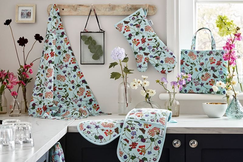 RHS and Ulster Weavers announce kitchen textiles range